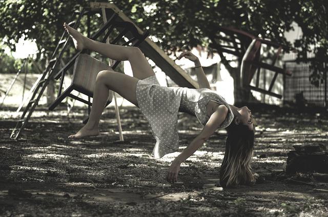 levitation-1884366_640.jpg