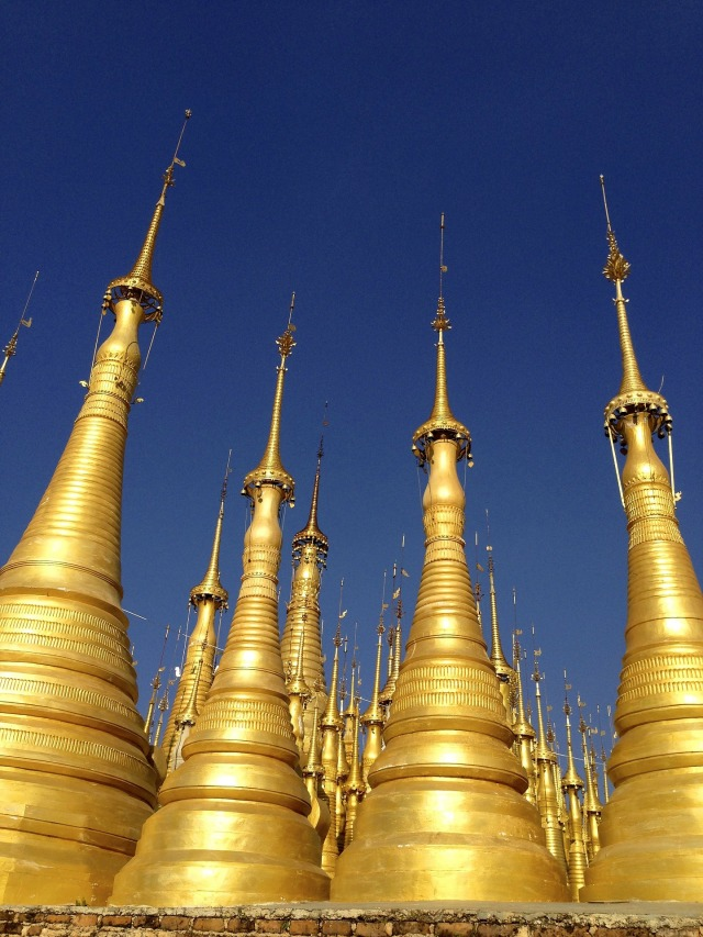 pagoda-195939_1920.jpg