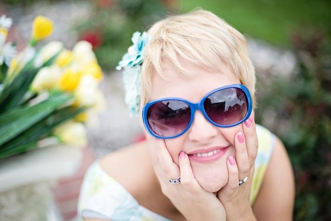 sunglasses-635269_1920.jpg
